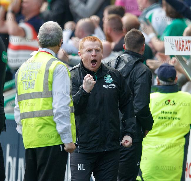 13.05.2018 Hibs v Rangers: Neil Lennon celebrates as Hibs go 3-0 up