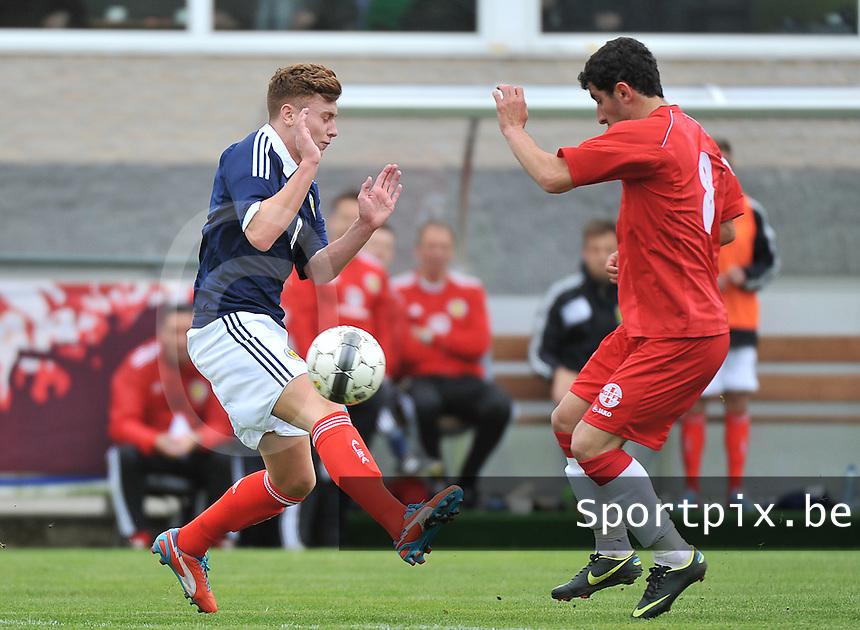 Scotland U19 - Georgia U19 : Lewis McLeod (left) and Avto Endeladze (right).foto DAVID CATRY / Nikonpro.be