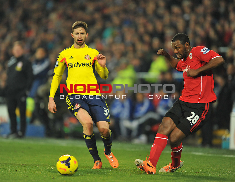 Cardiff City's Kevin Theophile Catherine plays the ball under pressure. -  28/12/2013 - SPORT - FOOTBALL - Cardiff City Stadium - Cardiff - Cardiff City v Sunderland - Barclays Premier League<br /> Foto nph / Meredith<br /> <br /> ***** OUT OF UK *****