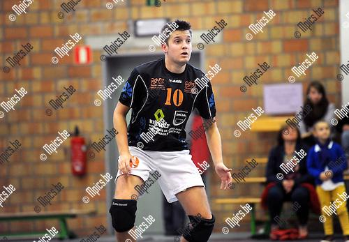 2013-09-28 / Volleybal / seizoen 2013-2014 / VC Herenthout / K. Dillen<br /><br />Foto: Mpics.be