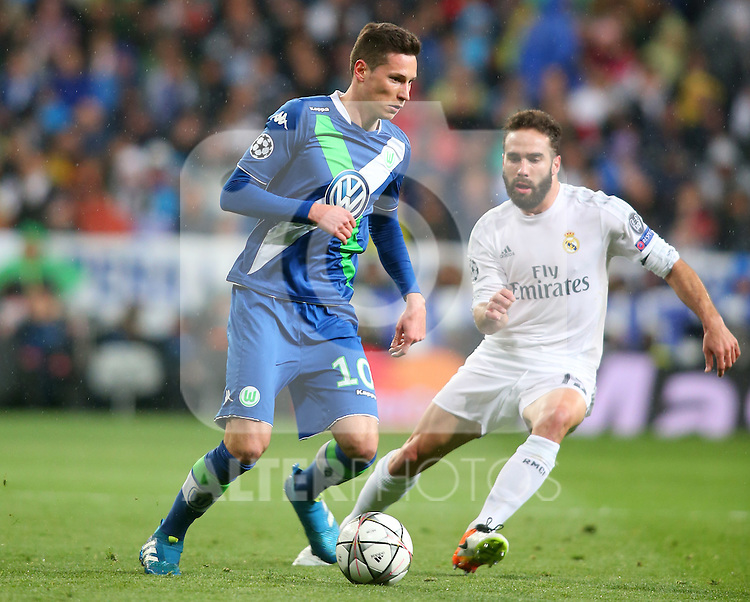 Real Madrid's Daniel Carvajal (r) and WfL Wolfsburg's Julian Draxler during Champions League 2015/2016 Quarter-finals 2nd leg match. April 12,2016. (ALTERPHOTOS/Acero)