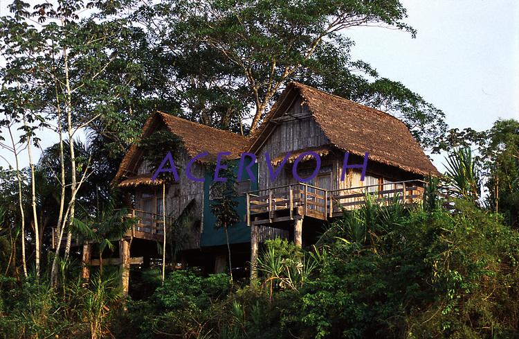 chalés do hotel de selva Pakaás Palafitas Lodge<br />Guajará Mirim - Rondônia