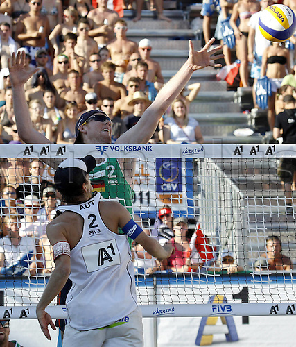 05 08 2011   Beach Volleyball World Tour 2011 FIVB Grand Slam Klagenfurt men Picture shows Alexander Huber AUT and Jonas Reckermann ger