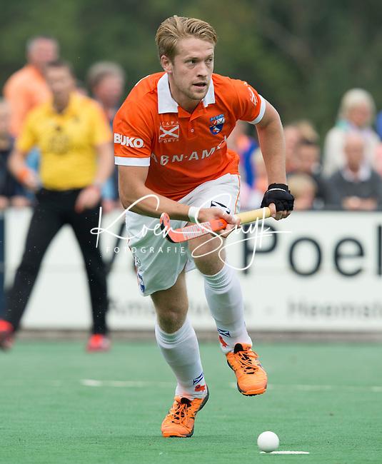 BLOEMENDAAL - Mats de Groot  van Bloemendaal tijdens  de wedstrijd tussen de mannen van Bloemendaal en Oranje-Zwart (1-2). Copyright Koen Suyk
