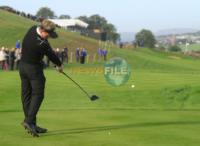 Luke Donald drives off on the 16th tee in the Day 2 session of the overnight Fourball Match 4 during Day 1 of the The 2010 Ryder Cup at the Celtic Manor, Newport, Wales, 29th September 2010..(Picture Eoin Clarke/www.golffile.ie)
