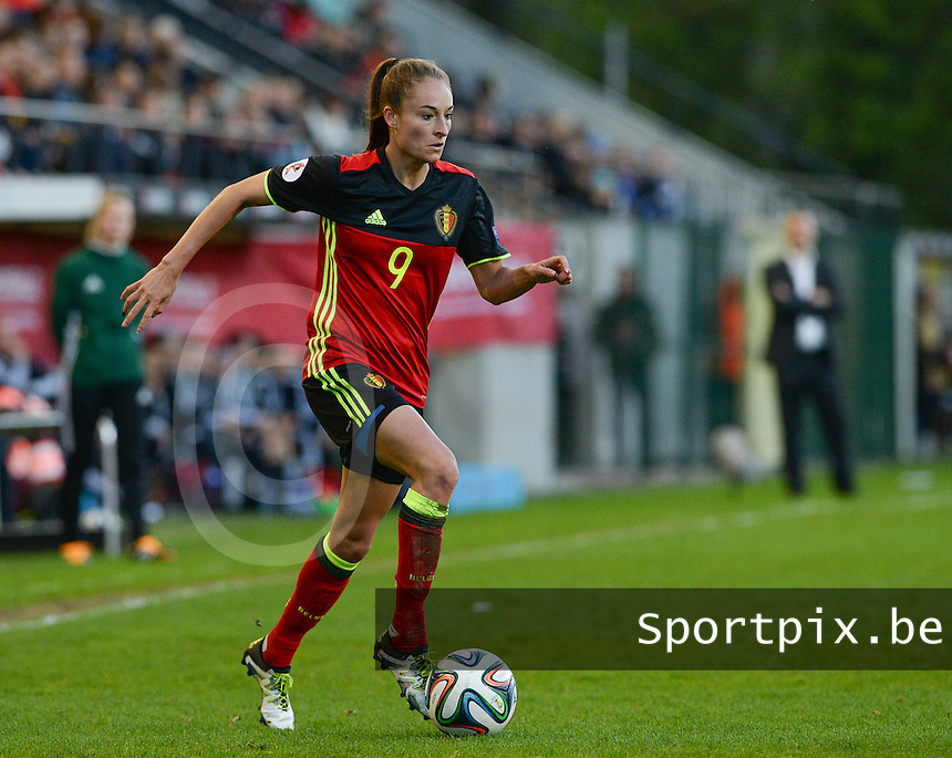 20160412 - LEUVEN ,  BELGIUM : Belgian Tessa Wullaert pictured during the female soccer game between the Belgian Red Flames and Estonia , the fifth game in the qualification for the European Championship in The Netherlands 2017  , Tuesday 12 th April 2016 at Stadion Den Dreef  in Leuven , Belgium. PHOTO SPORTPIX.BE / DAVID CATRY