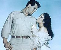 Giant (1956) <br /> Promo shot of Elizabeth Taylor &amp; Rock Hudson<br /> *Filmstill - Editorial Use Only*<br /> CAP/KFS<br /> Image supplied by Capital Pictures