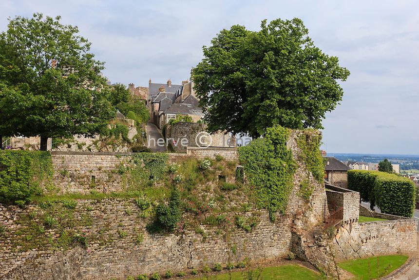France, Orne (61), Domfront vue depuis le site du château // France, Orne, Domfront, view from the castle site