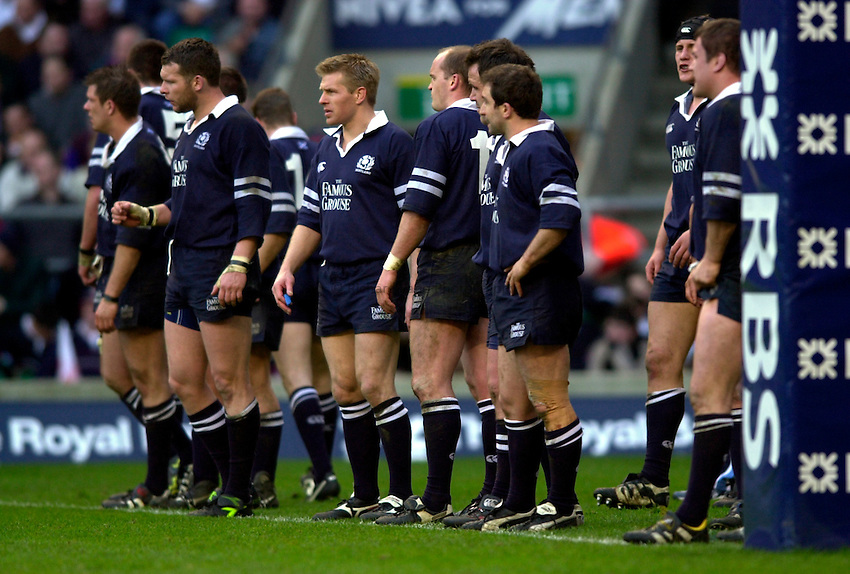 Photo. Richard Lane.England v Scotland. RBS Six Nations Chamionship. 22/03/2003.The Scotts line up to face a conversion
