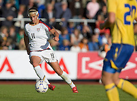 Carli Lloyd dribbles the ball during the match against Sweden, Landskamp, Sweden, July 5th, 2008.