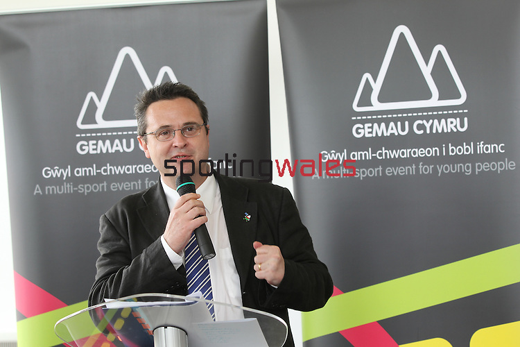 Gemau Cymru.Huw Lewis AM, Minister for Housing, Heritage & Regeneration.Leckwith Stadium.08.07.11.©Steve Pope