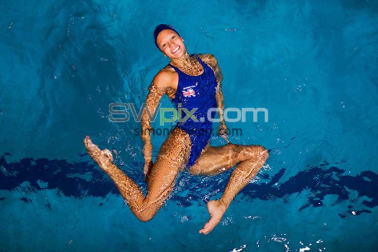 PICTURE BY ALEX BROADWAY/SWPIX.COM - Synchronised Swimming  - Team GB Synchronised Swimming Training Session - Aldershot - 09/11/11 - Jenna Randall