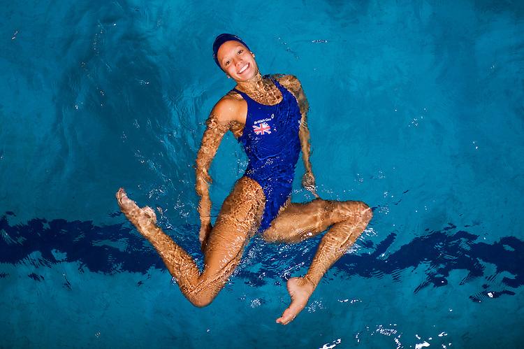 PICTURE BY ALEX BROADWAY/SWPIX.COM - Synchronised Swimming  - Team GB Synchronised Swimming Training Session - Aldershot - 09/11/11 - Jenna Randall
