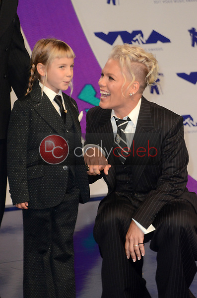 Pink, daughter<br /> at the 2017 MTV Video Music Awards, The Forum, Inglewood, CA 08-27-17<br /> David Edwards/DailyCeleb.com 818-249-4998