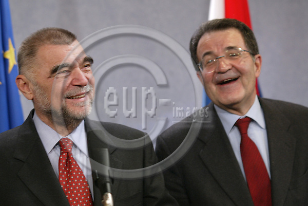 Belgium--Brussels--Commission     07.01.2003.Stjepan MESIC, President, Republic of Croatia;   Romano PROD, President of the EU-commission ;  .Portrait ;   Laughing ;    . PHOTO: EUP-IMAGES.COM / ANNA-MARIA ROMANELLI