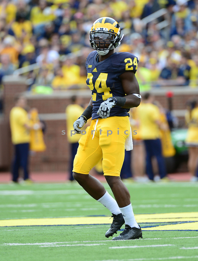 Michigan Wolverines Wayne Lyons (24) during a game against the UNLV Rebels on September 19, 2015 at Michigan Stadium in Ann Arbor, MI. Michigan beat UNLV 28-7.