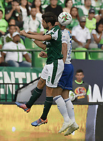 PALMIRA - COLOMBIA, 03-03-2019: Matias Cabrera del Cali disputa el balón con Felipe Jaramillo de Millonarios durante partido por la fecha 8 de la Liga Águila I 2019 entre Deportivo Cali y Millonarios jugado en el estadio Deportivo Cali de la ciudad de Palmira. / Matias Cabrera of Cali vies for the ball with Felipe Jaramillo of Millonarios during match for the date 8 as part Aguila League I 2019 between Deportivo Cali and Millonarios played at Deportivo Cali stadium in Palmira city.  Photo: VizzorImage / Gabriel Aponte / Staff