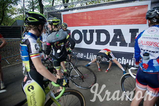 Belgian Champion Sanne Cant (BEL/Ciclismo Mundial) stretching before the race<br /> <br /> GP Neerpelt 2014