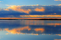 Sunrise reflection on Namekus Lake<br />