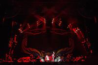 PORTO ALEGRE, RS, 02.03.2016 - SHOW-RS - Show da banda gaúcha Cachorro Grande na abertura dos Rolling Stones, no estádio Beira Rio, na cidade de Porto Alegre na noite desta quarta-feira (02). (Foto: Carlos Ferrari/Brazil Photo Press)