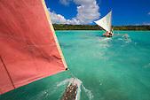 Balade en pirogue traditionnelle, baie d'Upi, Ile des Pins