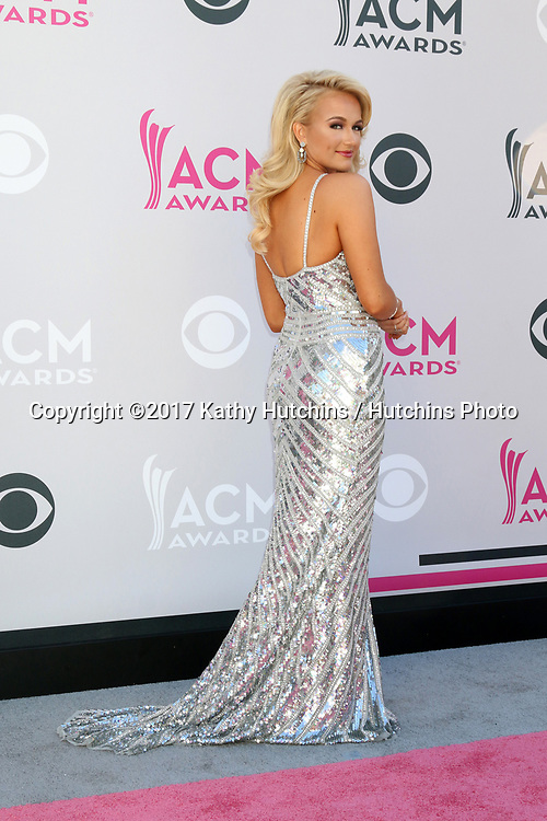 LAS VEGAS - APR 2:  Savvy Shields at the Academy of Country Music Awards 2017 at T-Mobile Arena on April 2, 2017 in Las Vegas, NV