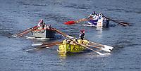 Nederland Zaandam 2019. De jaarlijkse sloepenrace Slag om de Zaan in Zaandam. Een spectaculaire sloeproeiwedstrijd van ruim 16 kilometer over de Zaan. Voorop de boot van Kesbeke. Foto Berlinda van Dam / Hollandse Hoogte
