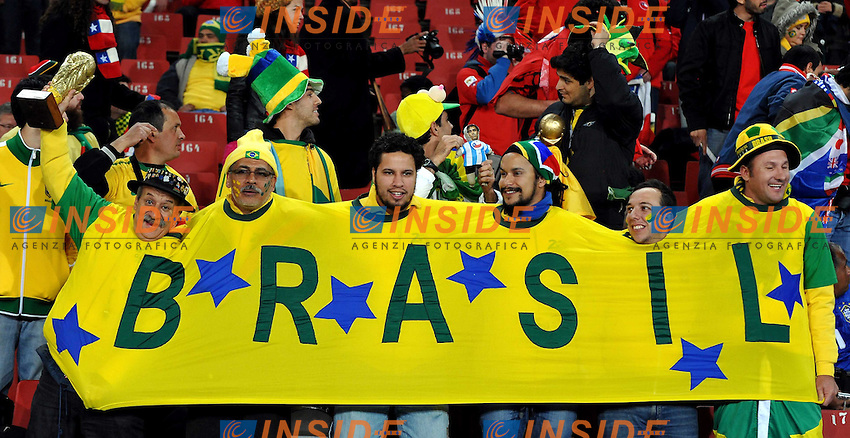 Tifosi<br /> Brasile Cile - Brazil vs Chile<br /> Campionati del Mondo di Calcio Sudafrica 2010 - World Cup South Africa 2010<br /> Ellis Park Stadium, Johannesburg, 28 / 06 / 2010<br /> &copy; Giorgio Perottino / Insidefoto