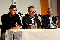 GRONINGEN - Voetbal, Presentatie Julian Chabot,  seizoen 2018-2019, 16-07-2018,  Chabot achter de tafel met Hans Nijland en Ron Jans