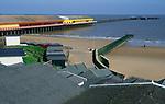 AF5GN1 Walton on Naze pier, beach, groyne and beach huts Essex England