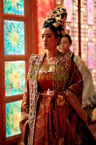 GONG LI.in Curse Of The Golden Flower (Man cheng jin dai huang jin jia) .**Editorial Use Only**.CAP/FB.Supplied by Capital Pictures