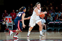 STANFORD, CA - JANUARY 6: Jeanette Pohlen runs down the University of Arizona at Maples Pavilion, January 6, 2011 in Stanford, California.