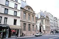 Paris: Hotel de Bethune-Sully, 1624. Rue St. Antoine in the Marais District.  Jean Androuet du Cerceau, architect. Photo '87.
