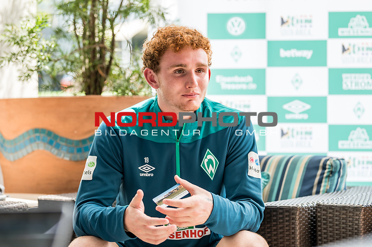 04.01.2019, The Fairway Hotel, Johannesburg, RSA, TL Werder Bremen Johannesburg Tag 03<br /> <br /> im Bild / picture shows <br /> Joshua Sargent (Werder Bremen #19) bei Mixed Zone / Pressetermin während Wintertrainingslager in Südafrika, <br /> <br /> Foto © nordphoto / Ewert