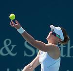 Samantha Stosur (AUS) Defeats Jamie Hampton (USA) 6-3, 7-6