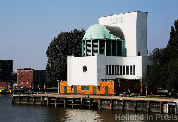 Ventilatiegebouw van de Maastunnel in Rotterdam. Art Deco stijl