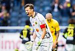 Solna 2015-07-26 Fotboll Allsvenskan AIK - IF Elfsborg :  <br /> Elfsborgs m&aring;lvakt Kevin Stuhr Ellegaard reagerar under matchen mellan AIK och IF Elfsborg <br /> (Foto: Kenta J&ouml;nsson) Nyckelord:  AIK Gnaget Friends Arena Allsvenskan Elfsborg IFE arg f&ouml;rbannad ilsk ilsken sur tjurig angry depp besviken besvikelse sorg ledsen deppig nedst&auml;md uppgiven sad disappointment disappointed dejected
