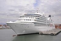 - Livorno harbour, cruise ship Seabourn Quest, of the Seabourn Cruise Line company (Carnival Group)....- porto di Livorno, nave da crociera Seabourn Quest, della compagnia Seabourn Cruise Line (gruppo Carnival)......