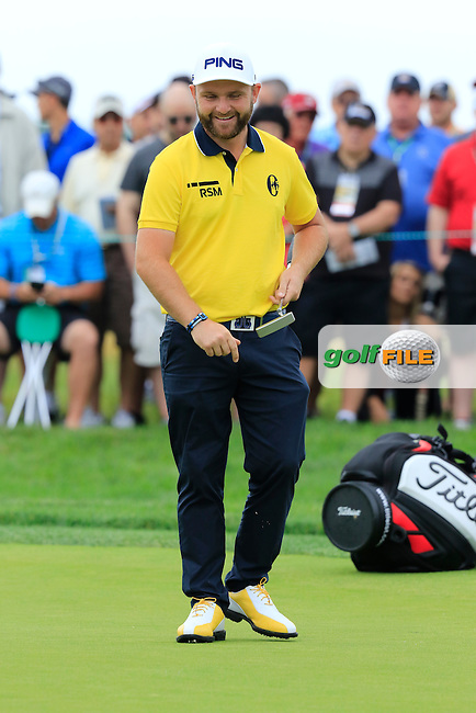 Andy Sullivan (ENG) on the 2nd green during Friday's Round 1 of the 2016 U.S. Open Championship held at Oakmont Country Club, Oakmont, Pittsburgh, Pennsylvania, United States of America. 17th June 2016.<br /> Picture: Eoin Clarke | Golffile<br /> <br /> <br /> All photos usage must carry mandatory copyright credit (&copy; Golffile | Eoin Clarke)