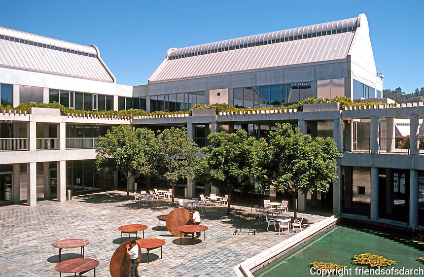 Moshe Safdie: Skirball Cultural Center, Los Angeles. View of courtyard and reflecting pool from terrace.