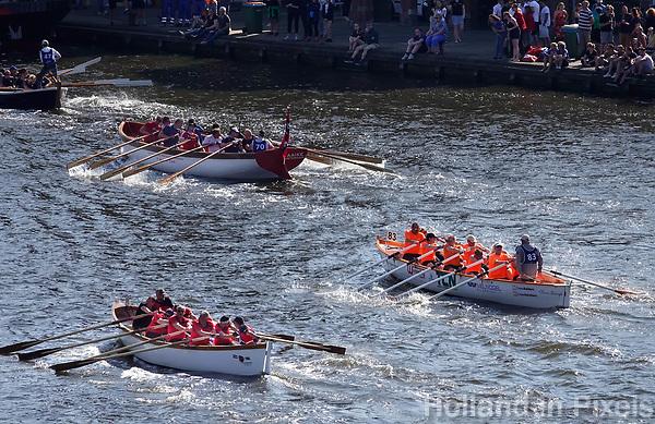 Nederland Zaandam 2019. De jaarlijkse sloepenrace Slag om de Zaan in Zaandam. Een spectaculaire sloeproeiwedstrijd van ruim 16 kilometer over de Zaan. Foto Berlinda van Dam / Hollandse Hoogte
