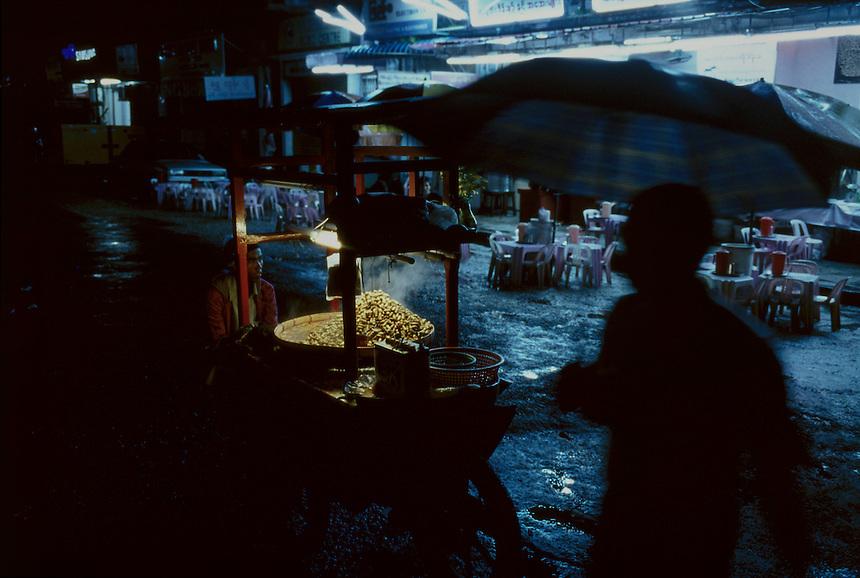 Yangon Streets, Yangon, Burma/Myanmar, November 2012. Photo: Ed Giles.