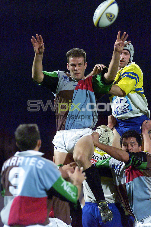 Pix: Simon Wilkinson...Heineken Cup...18/12/99.AS Montferrand v Harlequins.COPYWRIGHT PICTURE>>SIMON WILKINSON>>01943 36649>>..Gareth Llewellyn wins the ball in a lineout.