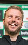 10.04.2018, Mixed Zone - Weserstadion, Bremen, GER, 1.FBL, Werder Bremen, Florian Kohfeldt (Trainer SV Werder Bremen) Mixed Zone, <br /> <br /> im Bild<br /> Florian Kohfeldt (Trainer SV Werder Bremen) lacht, <br /> <br /> Foto &copy; nordphoto / Ewert