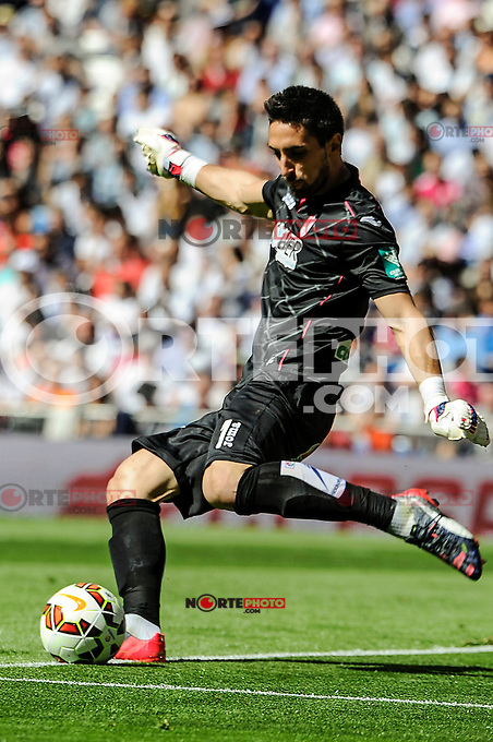 Granada´s goalkeeper Oier Olazabal during 2014-15 La Liga match between Real Madrid and Granada at Santiago Bernabeu stadium in Madrid, Spain. April 05, 2015. (ALTERPHOTOS/Luis Fernandez) /NORTEphoto.com