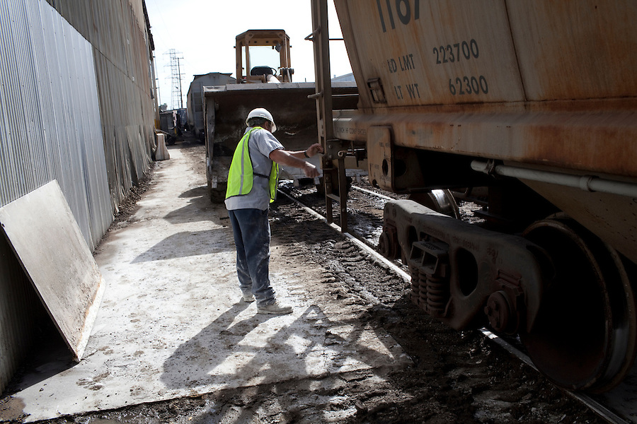 CREDIT: Daryl Peveto/LUCEO for The Wall Street Journal.Exports 2032..Los Angeles, California, March 1, 2010 - ..A decline in U.S. consumption has left exports short of a good exit strategy. In 2009, imports fell 28%. This has created a bottleneck for exports, which need the shipping containers to move product overseas. ..