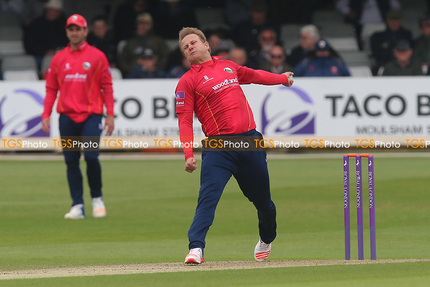 Neil Wagner in bowling action for Essex during Essex Eagles vs Hampshire, Royal London One-Day Cup Cricket at The Cloudfm County Ground on 30th April 2017