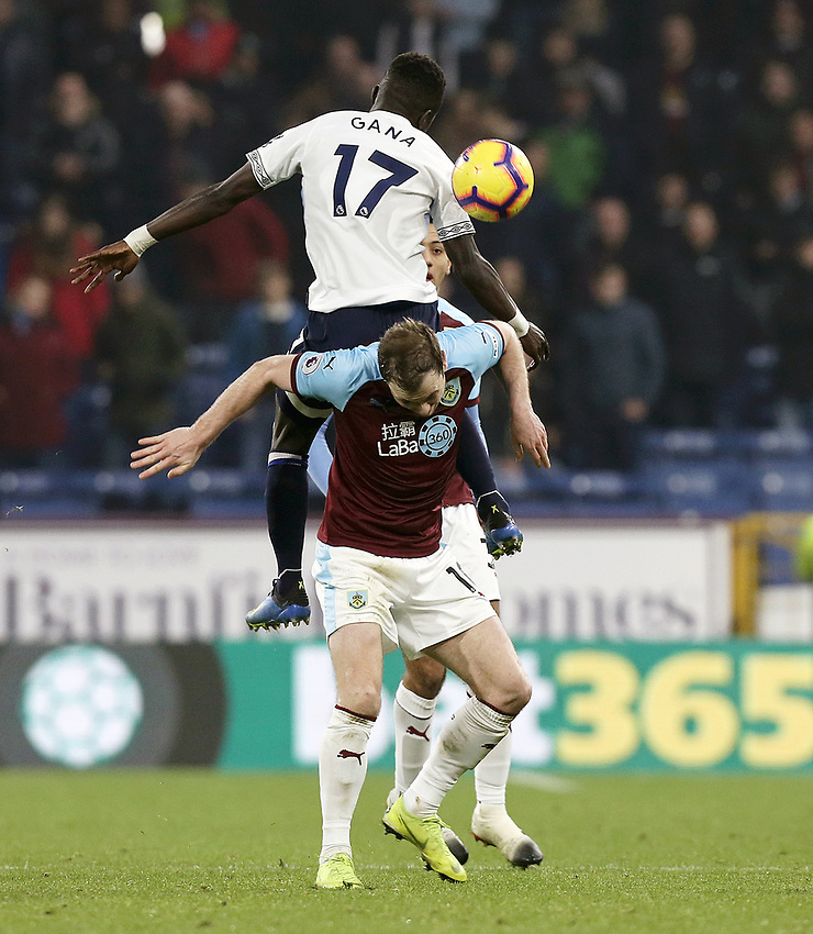 Everton's Idrissa Gueye competes for an aerial ball over Burnley's Ashley Barnes<br /> <br /> Photographer Rich Linley/CameraSport<br /> <br /> The Premier League - Burnley v Everton - Wednesday 26th December 2018 - Turf Moor - Burnley<br /> <br /> World Copyright © 2018 CameraSport. All rights reserved. 43 Linden Ave. Countesthorpe. Leicester. England. LE8 5PG - Tel: +44 (0) 116 277 4147 - admin@camerasport.com - www.camerasport.com