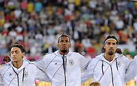 FUSSBALL  EUROPAMEISTERSCHAFT 2012   VORRUNDE Deutschland - Portugal          09.06.2012 Mesut Oezil, Jerome Boateng und Sami Khedira (v.l., alle Deutschland) nehmen zur Hymne Aufstellung