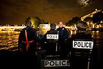 Paris, France. 7 Mai 2009..Brigade Fluviale de Paris..23h08 Ronde de surveillance sur la Seine...Paris, France. May 7th 2009..Paris fluvial squad..11:08 pm Night watching patrol on the Seine...